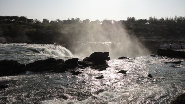 The Narmada lifting the veils of droplets