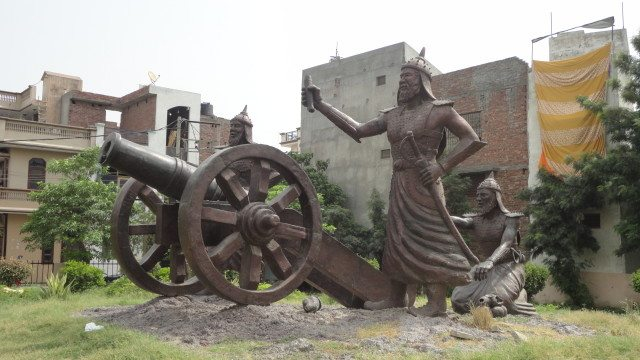 Statues of Mughal Canons at the site of first battle