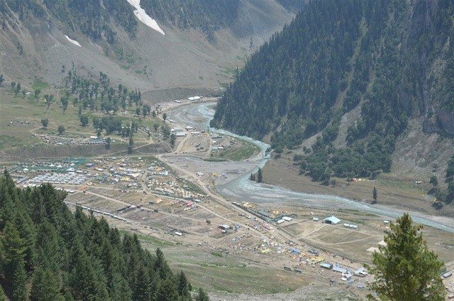 Yatri camps, tents and vehicles : A birds eye view
