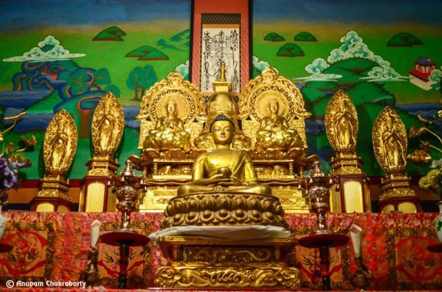 Golden images of Lord Buddha inside the temple