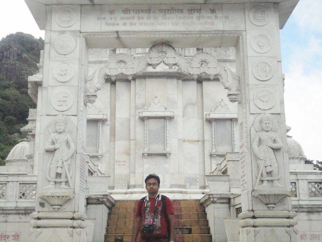 """Rajat in front of """"Parshwa Sushil Dwar""""of Jal Mandir"""