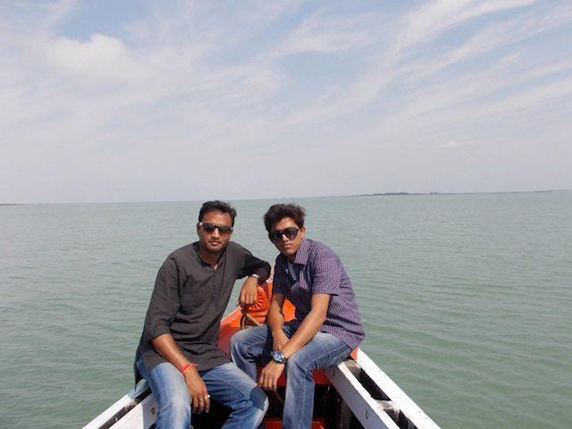 बीच समुद्र में, जम्बू द्वीप के पास