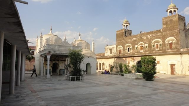 The courtyard and the dargah
