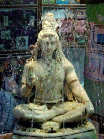 चलते चलते रास्ते में क्लीक किया हुआ भगवान शिव का फोटो