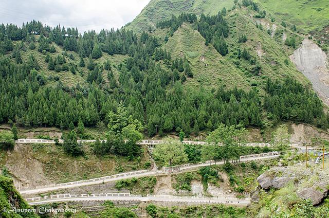 A z-shape road to Joshimath