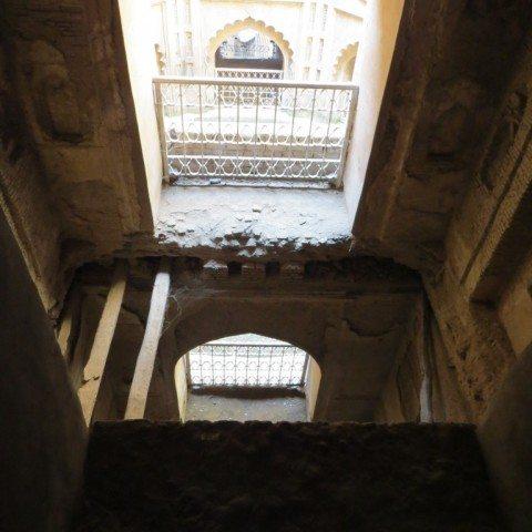 दूसरी मंजिल से मुख्य प्रवेश द्वार