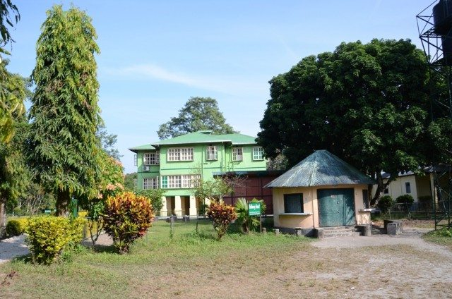 Place to stay in tranquility : Tourist bungalow at Holong