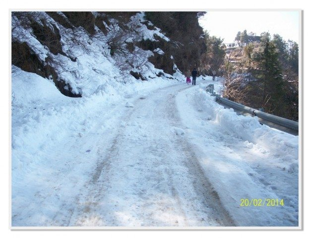 Winter Drive to Snowy Dhanaulti