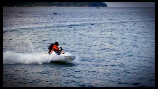 Driving Jet Skii