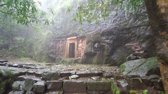 हिंगलाज देवी की गुफा