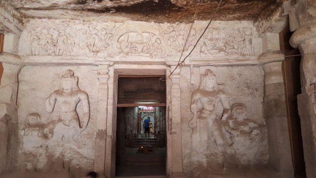 जोगेश्वरी गुफा की प्रतिमाएं