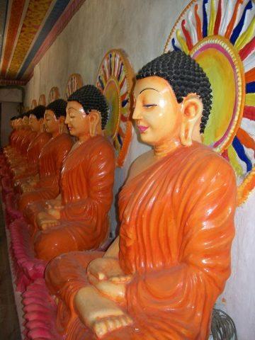 Buddha images in Sita Agnipariksha spot