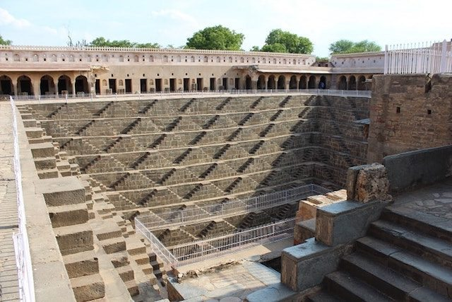 Neemrana to Bundi: In search of Indian step wells – Part 1