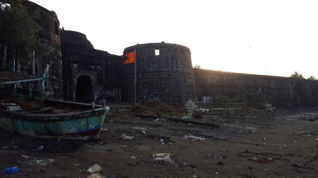 अरनाला किले के उत्तरी द्वार का एक दृश्य