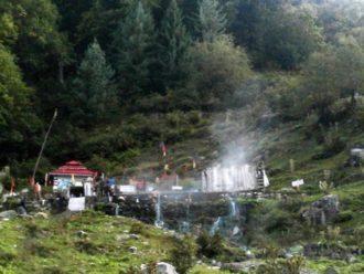 खीरगंगा, पार्वती कुंड और प्राचीन शिव मंदिर