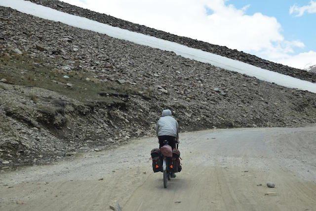 A MTB rider near Darcha